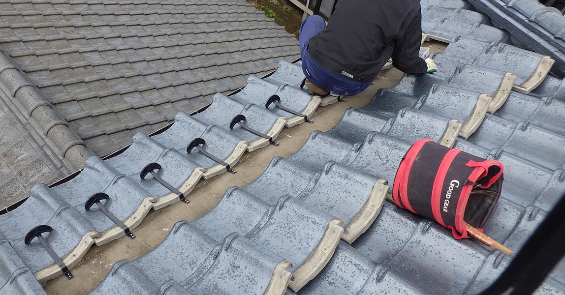 雪止め金具設置 雪止めアングル設置  既存屋根材によっては、雪止め金具またはアングルが有効な場合もあります。